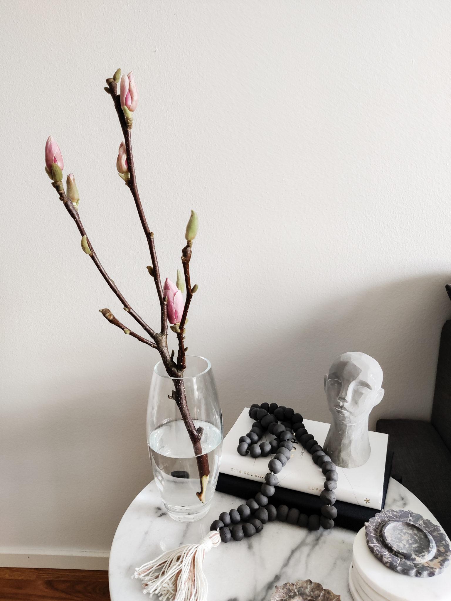 Magnolian oksa - Big mamas home by Jenni.