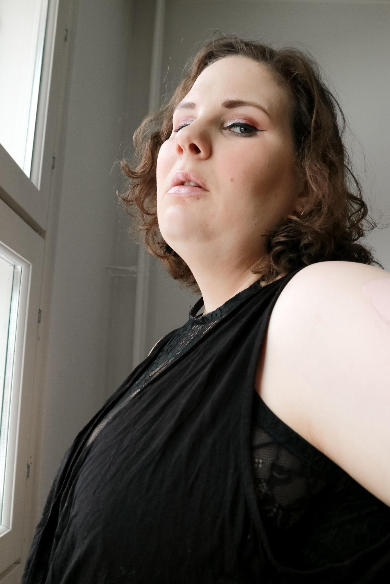 Lähisuhdeväkivalta - Big mamas home by Jenni