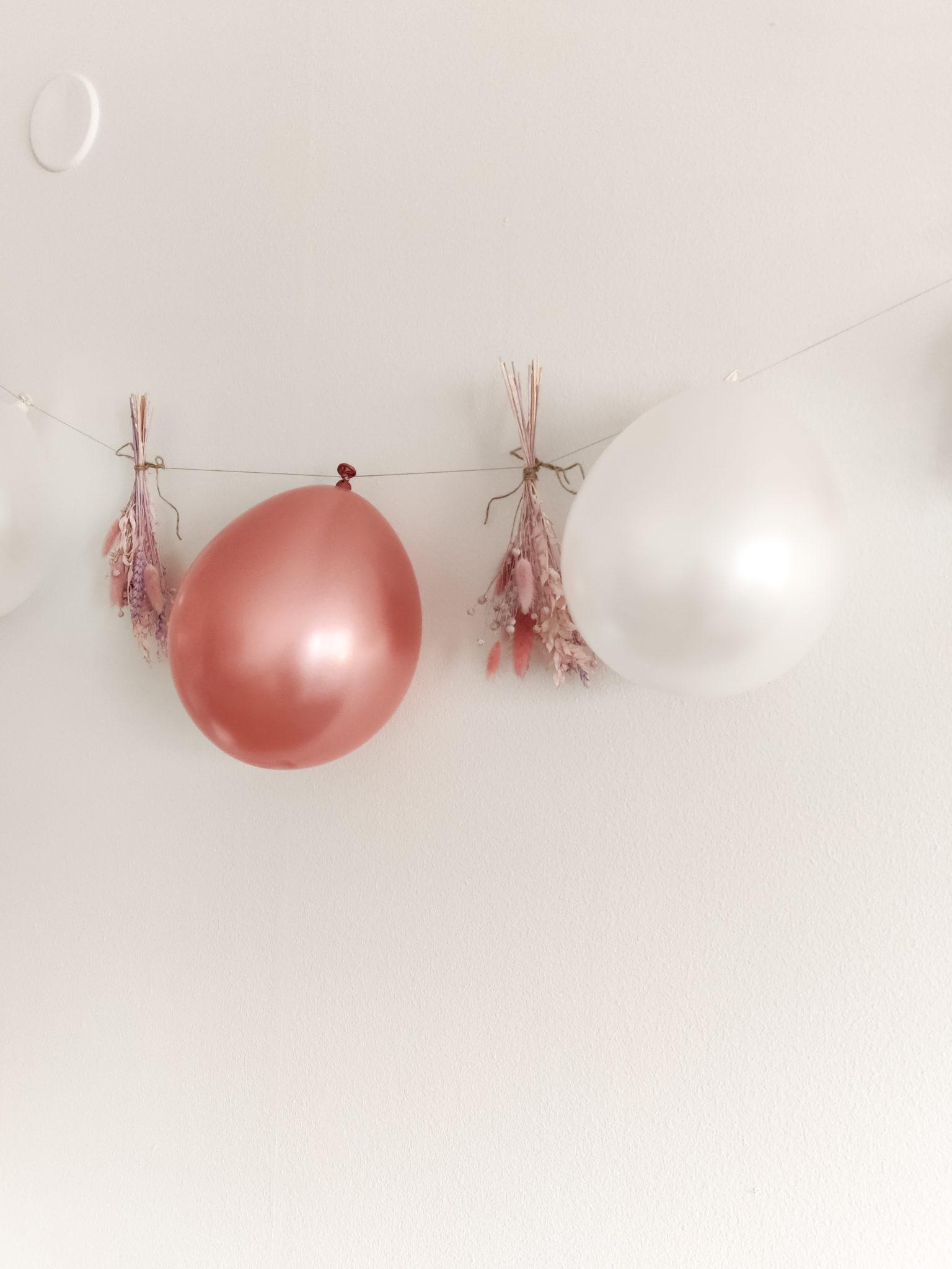 Ilmapalloviiri- Juhlat - Big mamas home by Jenni