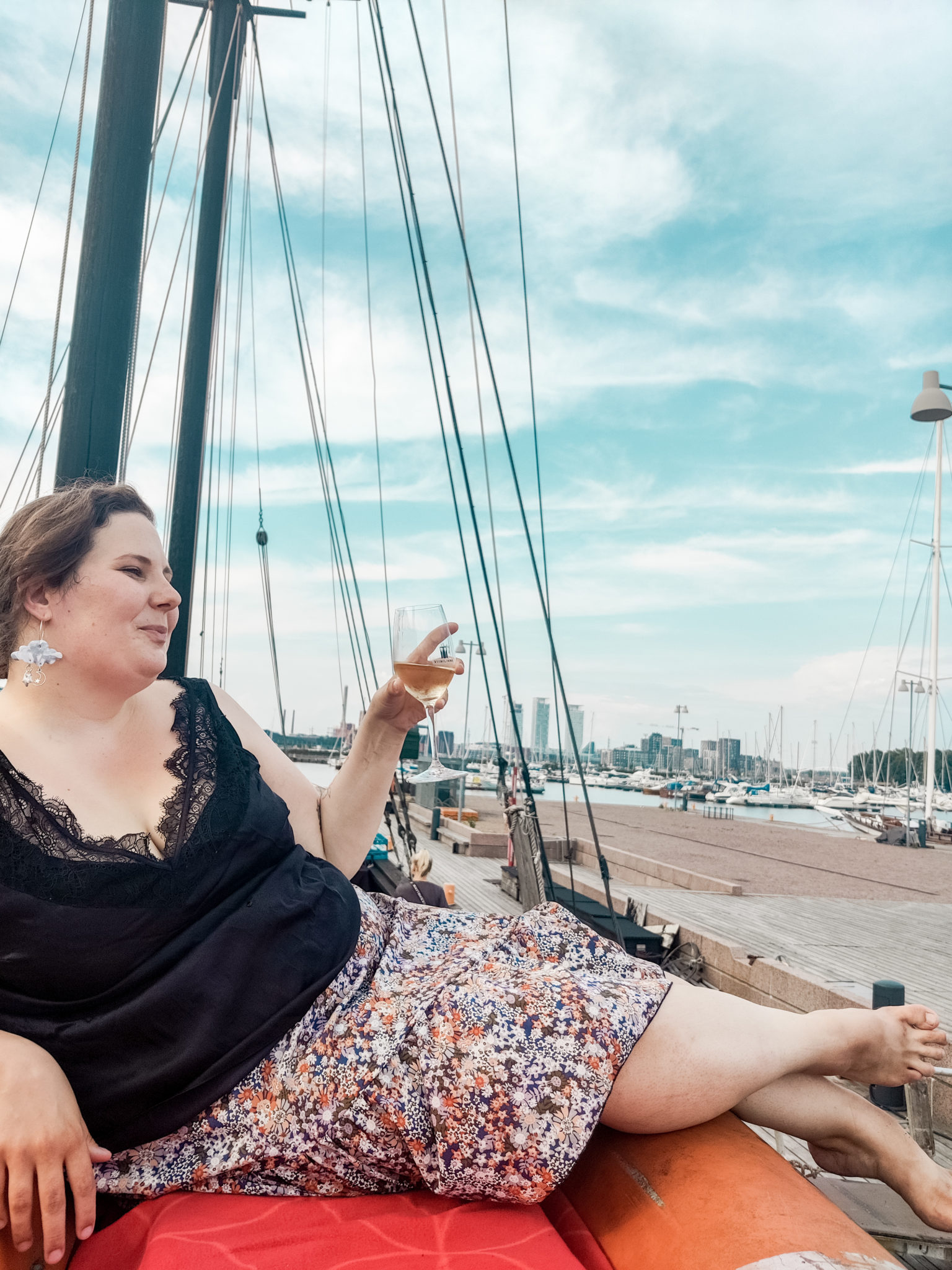 Viiniä pelastusveneessä -Døck - Kuunari - Ravintolat - Helsinki - #elämänikesä - BMH - Big mamas home by Jenni