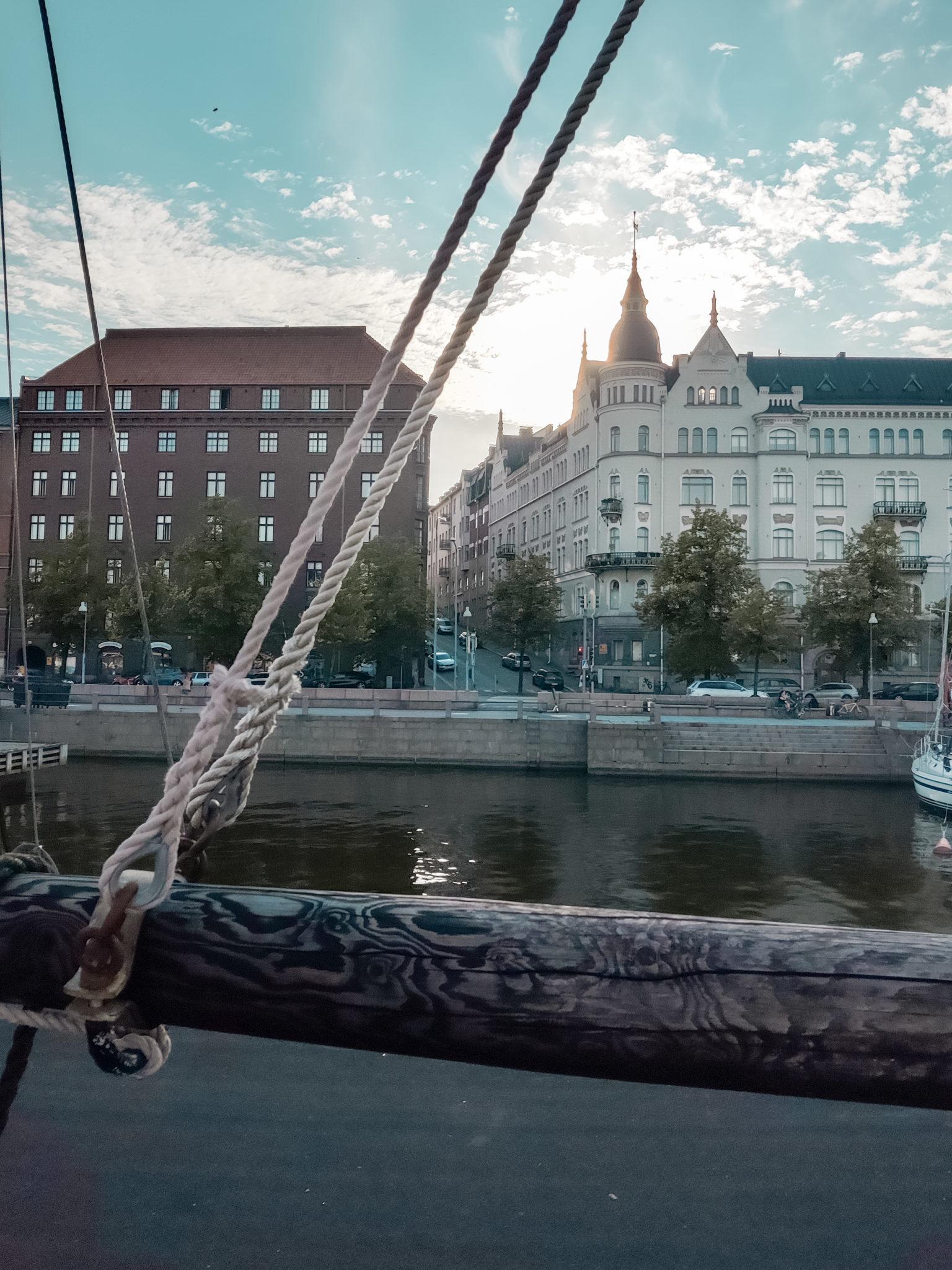 Helsinki -Døck - Ravintolat - BMH - Big mamas home by Jenni