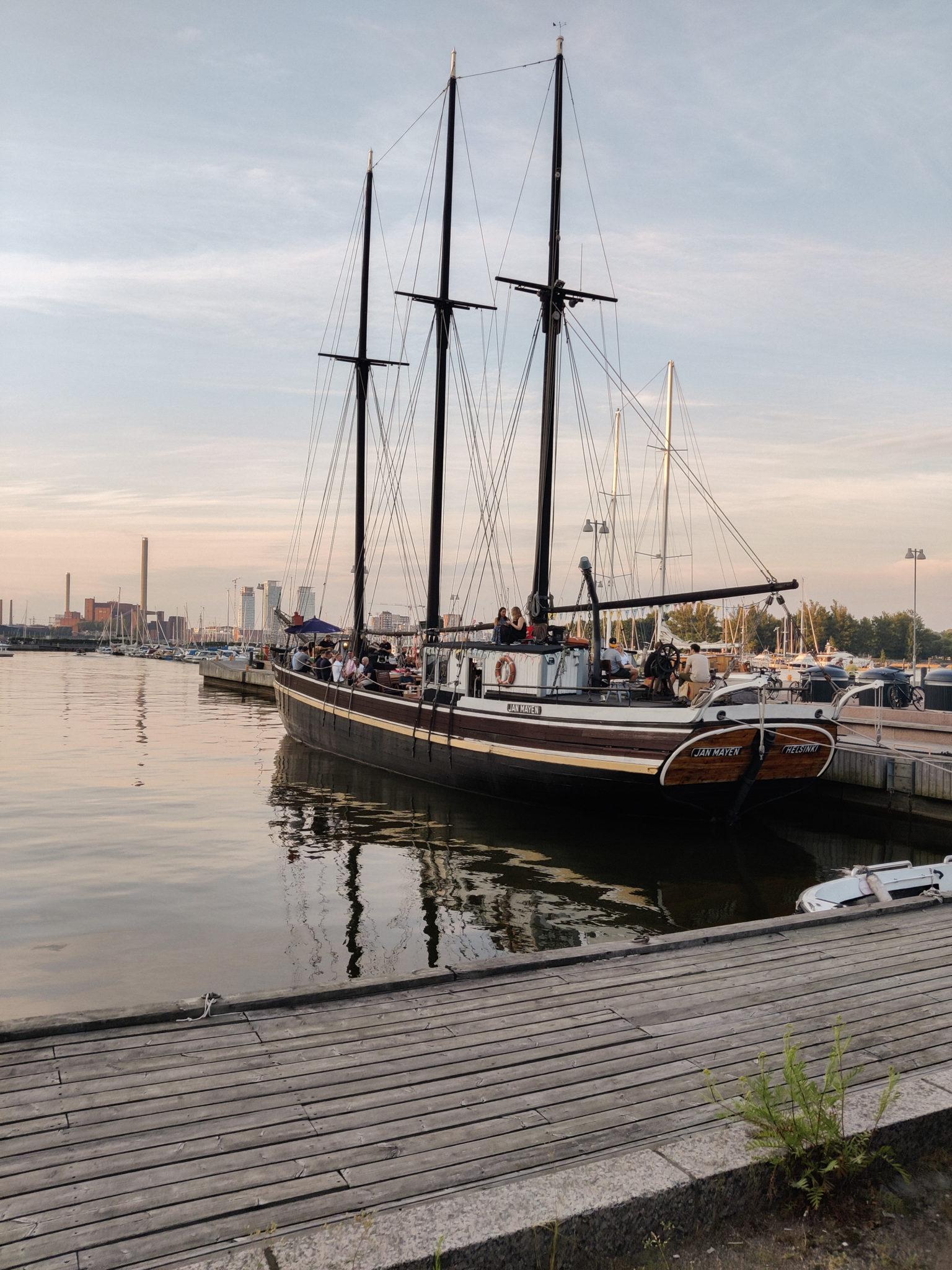 Døck - Jan Mayen kuunari - Ravintolat - Helsinkin - BMH - Big mamas home by Jenni