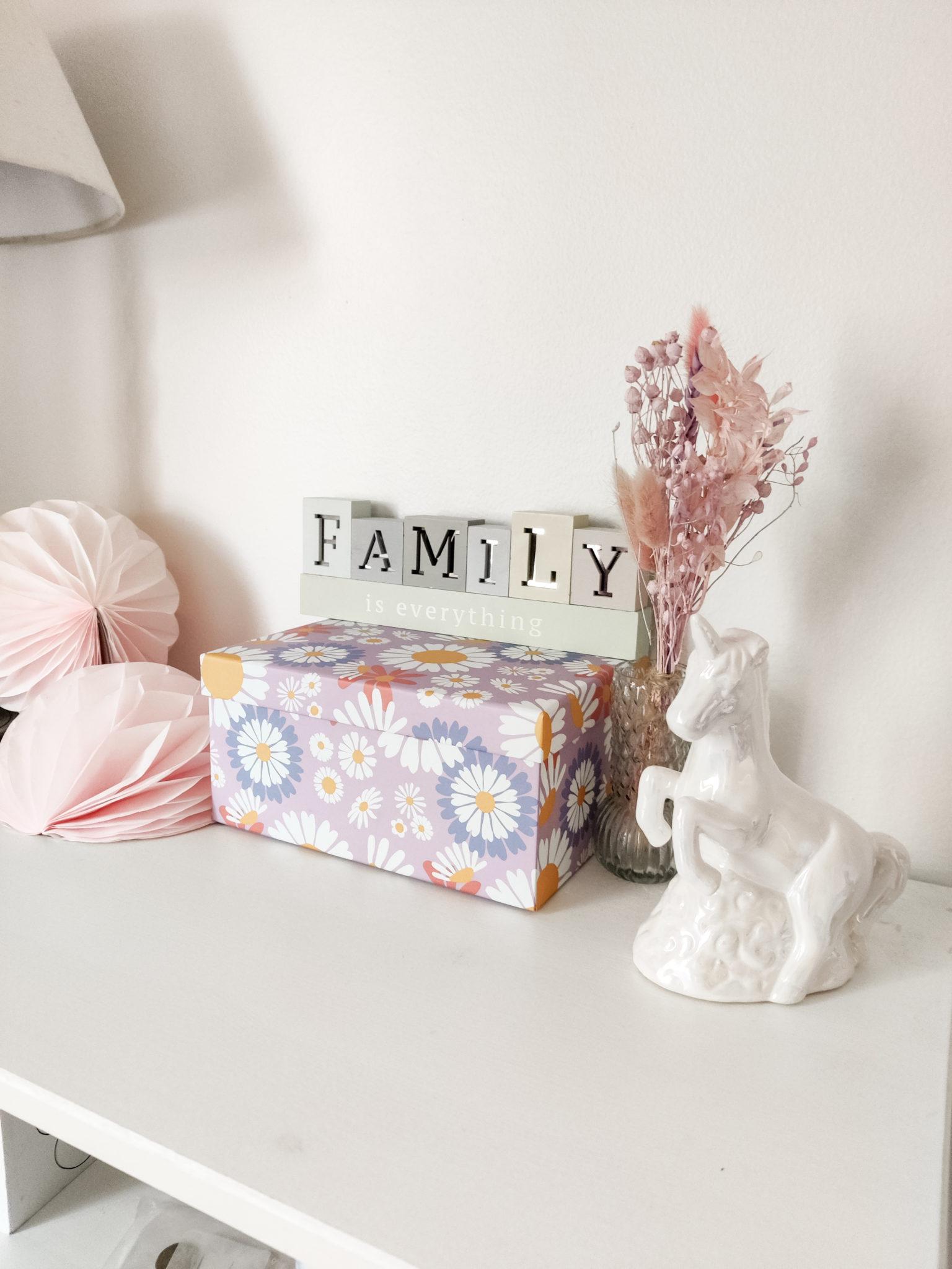 Tyttöjen huone - Big mamas home by Jenni