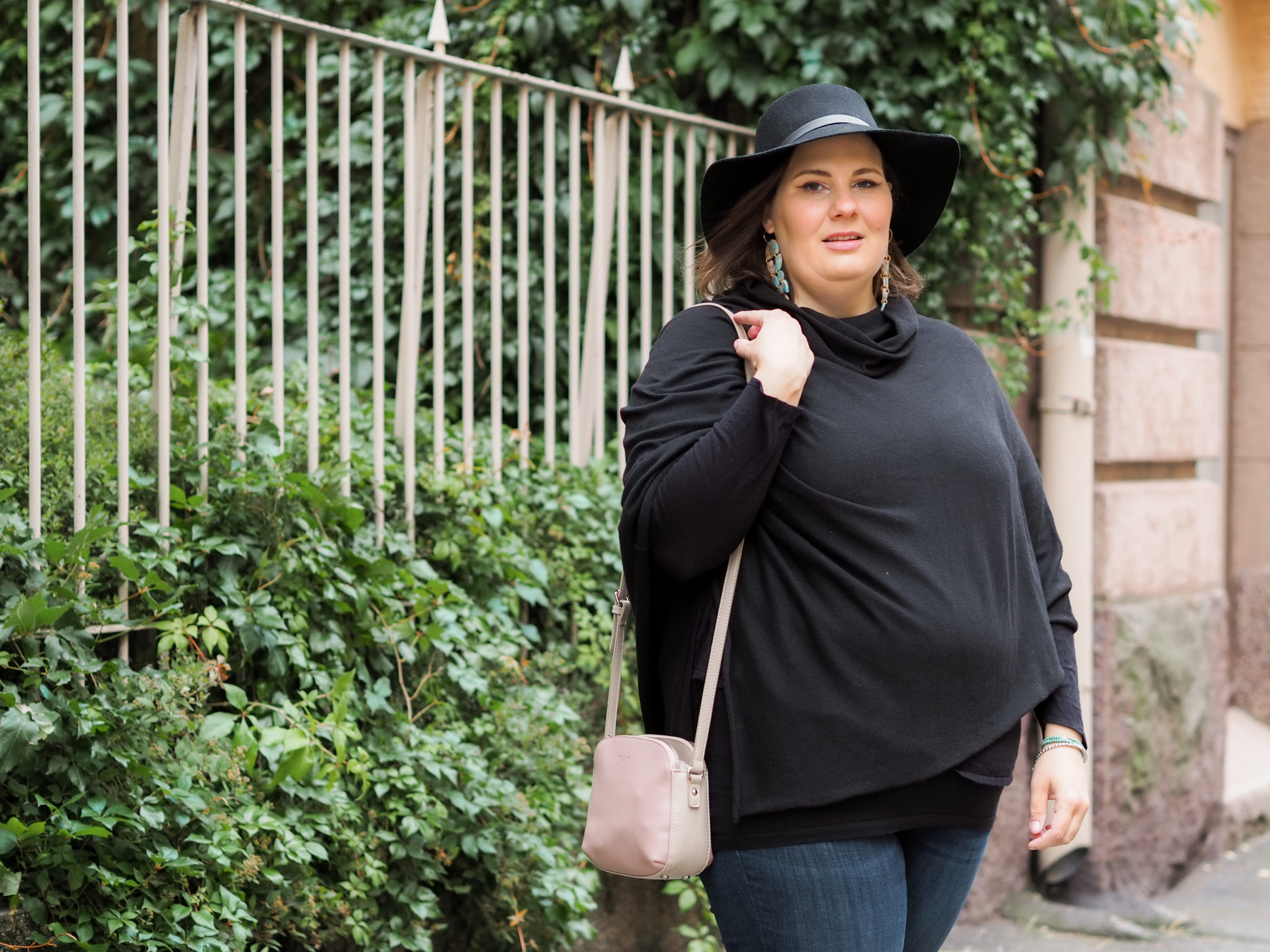 Poncho ja farkut - BMH - Big mamas home by Jenni